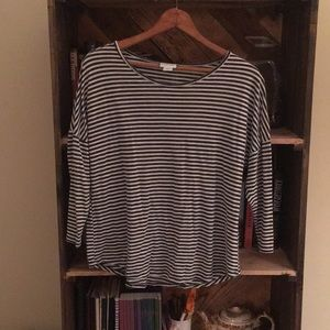 Black & white thinly striped casual top